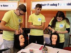 V Bruntále proběhl veletrh řemesel a zaměstnanosti Artifex, na němž si žáci mohli vybrat budoucí povolání.