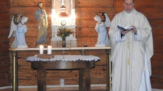 Bohoslužby se v kostele sv. Josefa v Podlesí konají jenom několikrát do roka.