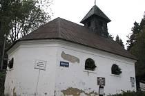 Oprava hřbitova je jednou z hlavních priorit vrbenské radnice. Nevhodná zeleň půjde pryč, hřbitovní zeď a kaple čeká revitalizace.