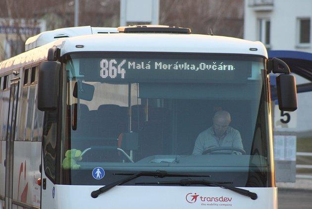 Autobusy Transdev vúseku zHvězdy na Ovčárnu posílily víkendové a poslední odpolední spoje. Co dál? Nejspíš místenkový systém.