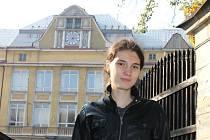 Klára Řepková je studentka bruntálského gymnázia v Dukelské ulici. Snímek Kláry Řepkové pochází z nedaleké Slezské uličky.