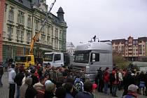 Vozidla Daf na Hlavním náměstí propagovala nový studijní obor řidič profesionál,