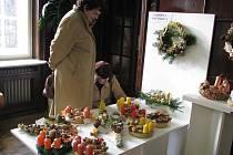 Výstava adventních věnců v Městském informačním a kulturním středisku (MIKS) byla zahájena ve středu 25. listopadu 2009.