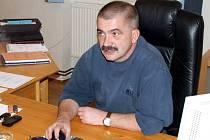 Senátorem a jediným mužem z okresu Bruntál, který svým hlasem rozhodne o volbě hlavy státu, je senátor Jiří Žák z Bruntálu.