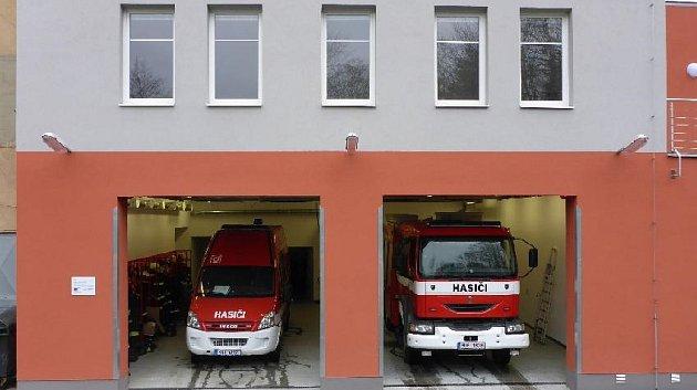 Dobrovolní hasiči zJílového mají novou požární zbrojnici.