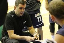 PARTA TRENÉRA Pavla Budínského vyhrála osmý zápas v sezóně.