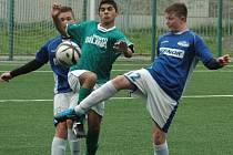 MLADŠÍ DOROST Junioru Děčín (v modrém) porazil Bílinu 3:0.