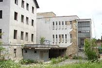 Bývalá ubytovna u Panoramy ve Varnsdorfu, kterou společnost Lumines Temple údajně hodlá přeměnit na nové bydlení romských rodin. Sestěhovat se sem mají z různých konců republiky.