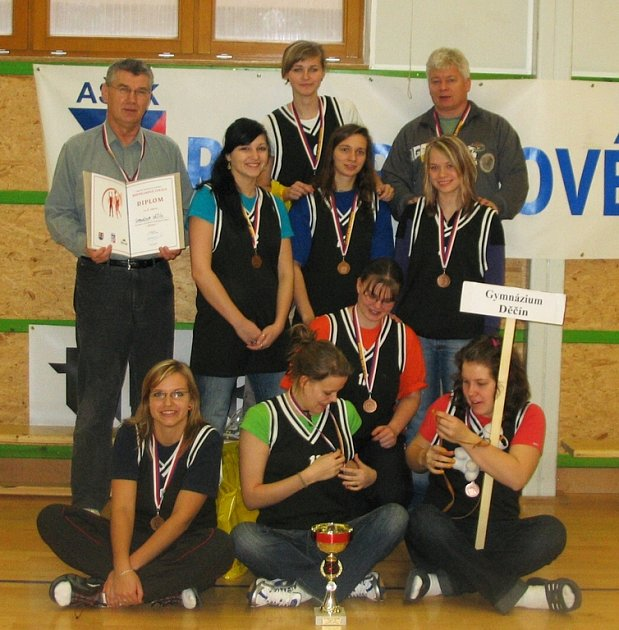 Výprava děčínského Gymnázia se v Šumperku radovala ze zisku bronzových medailí.