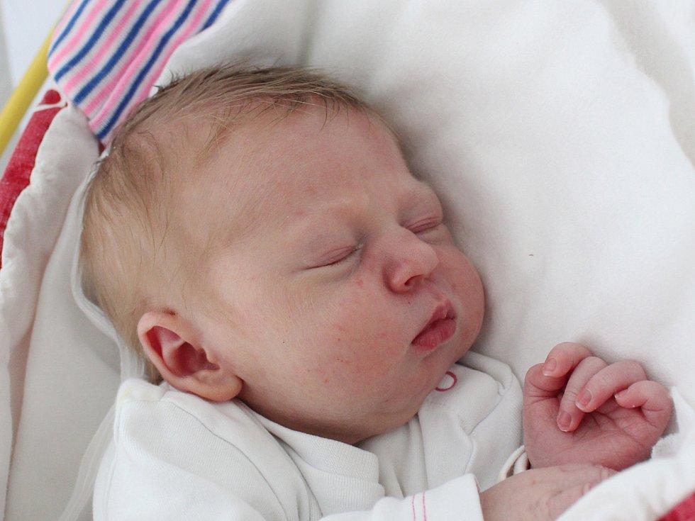 Emma Kaško se narodila Michaele Viktorii Roňďošové z Rumburku 3. dubna ve 21.27. Měřila 49 cm a vážila 3,25 kg.