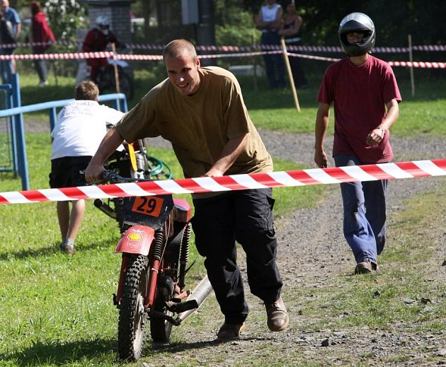 Závodníci na fichtlech si to rozdali v České Kamenici