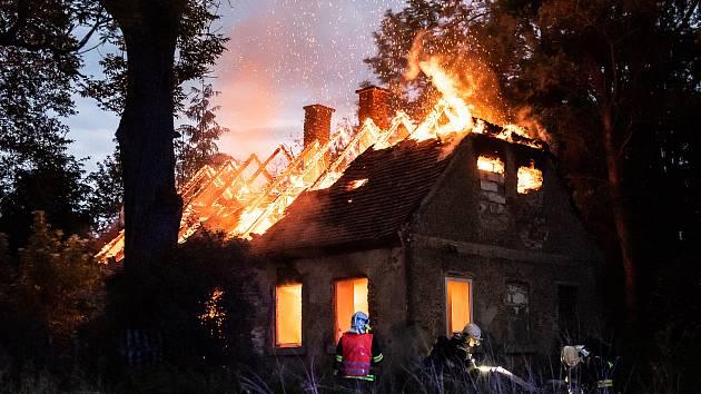 Požár domu ve Varnsdorfu.
