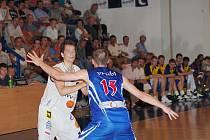 Basketbalisté Děčína dnes válčí na Moravském poli