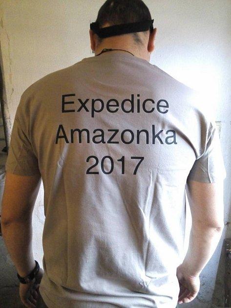 Ani přes vánoční svátky nezahálela skupinka dobrodruhů, která se vlednu vydá splout část Amazonky. Ktréninku využívala Labe, na kterém najezdila několik stovek kilometrů.