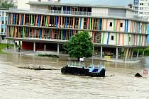 Labe zatopilo přízemí nové knihovny