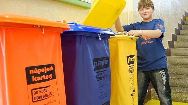 Robert Gaál (na snímku) ví, kam který odpad patří