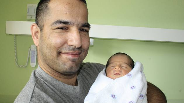 Andree Ferkové z Děčína se 21. března v 0.31 v děčínské porodnici narodil syn René Ferko. Měřil 46 cm a vážil 2,4 kg.