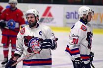 MICHAL OLIVERIUS, kapitán HC Děčín, se po dlouhé době vrátil na led.