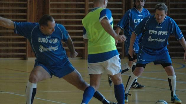 DESET BRANEK padlo v utkání Eurosport Teplice – Trans Varnsdorf. Výhru 6:4 nakonec urval Varnsdorf.