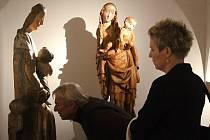 Vernisáž výstavy gotického umění v děčínském muzeu.
