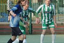 OBRAT. Futsalisté Slovanky (v zeleném) porazili 6:5 DeCe Computers.