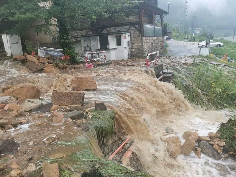 Velká voda zasáhla také Dolní Žleb na Děčínsku.
