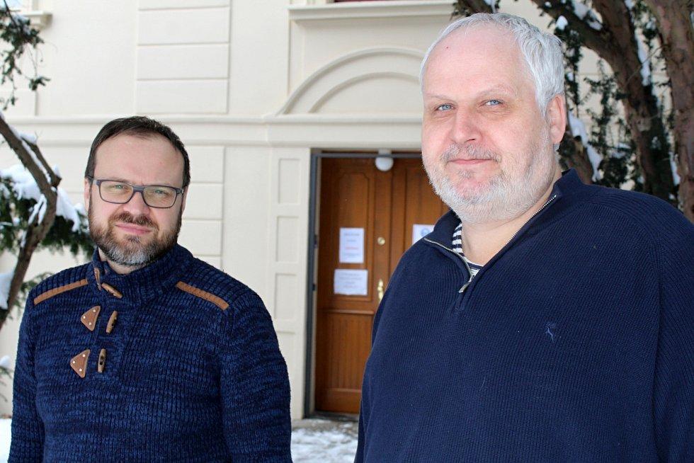 Vlastimil Pažourek (vpravo) a František Šuman z děčínského oblastního muzea
