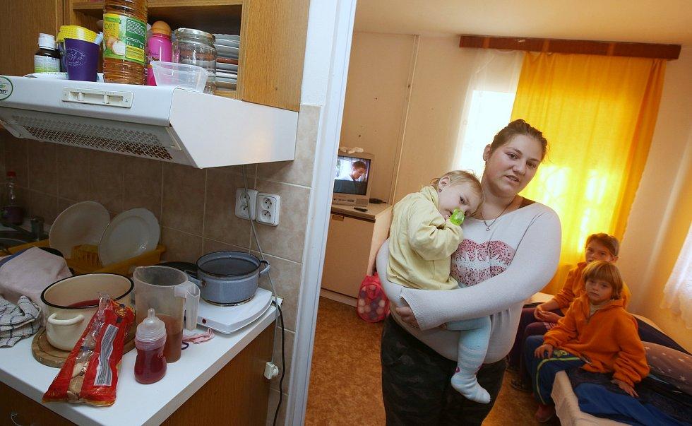 Domov pro mentálně postižené a týrané matky s dětmi v Jiřetíně pod Jedlovou.