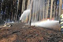 Požár lesa u Valkeřic