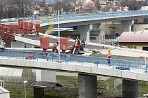 Nový most v Děčíně během oprav v roce 2009