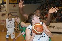 V polovině sezony jsou děčínští basketbalisté třetí.