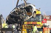 Smrtelná dopravní nehoda uzavřela hlavní tah z Děčína na Ústí.