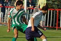 JISKRA (v bílém) vyhrála i třetí utkání, tentokráte zdolala 1:0 Libouchec.