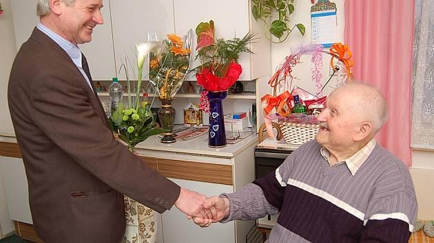 Oldřich Procházka z Dobkovic oslavil 98. narozeniny
