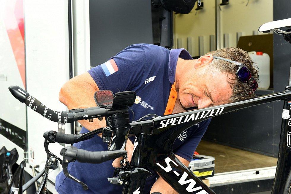 Letošní Tour de Feminin má za sebou první etapu. Čtvrteční časovku vyhrála Vittoria Bussi z Itálie.