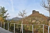 Vyhlídka u skalního hradu Falkenštejn.