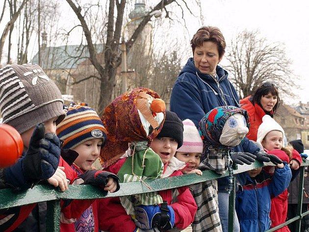 O tom, že letošní zima má skutečně tuhý kořínek se přesvědčily děti z Mateřské školy Motýlek z Krásné Lípy.