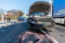 Ve Varnsdorfu se srazila dvě auta.