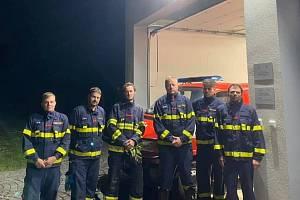 Dobrovolní hasiči z Kytlic se vydali na pomoc tornádem poničené Moravě.
