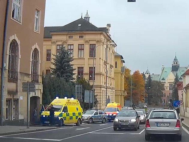 Malá holčička vypadla v Rumburku z okna.