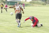 Okresní fotbalisté opět vyběhnou na trávníky.