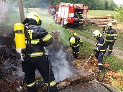 Hasiči plameny zdolali za několik minut.