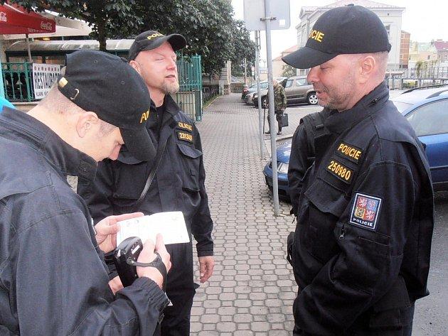 Policie v sobotu zadržela nelegální migranty.