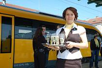 RegioJet, dceřiná společnost Student agency, představila žlutý vlak, který bude o víkendech jezdit na Kozí dráze.