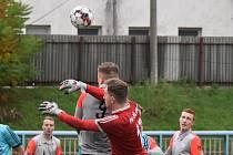 Marek Smutný v dresu klubu FK Jílové, který hraje krajský přebor.