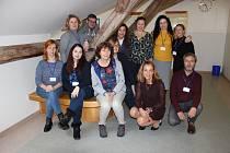 Učitelé Gymnázia Děčín s ředitelkou Lenkou Holubcovou a kolegy z Holandska, Litvy a Portugalska.