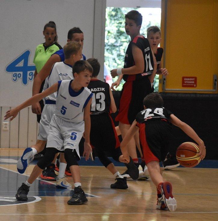 Mladí děčínští basketbalisté při mezinárodním turnaji, který se konal v Maroldovce.