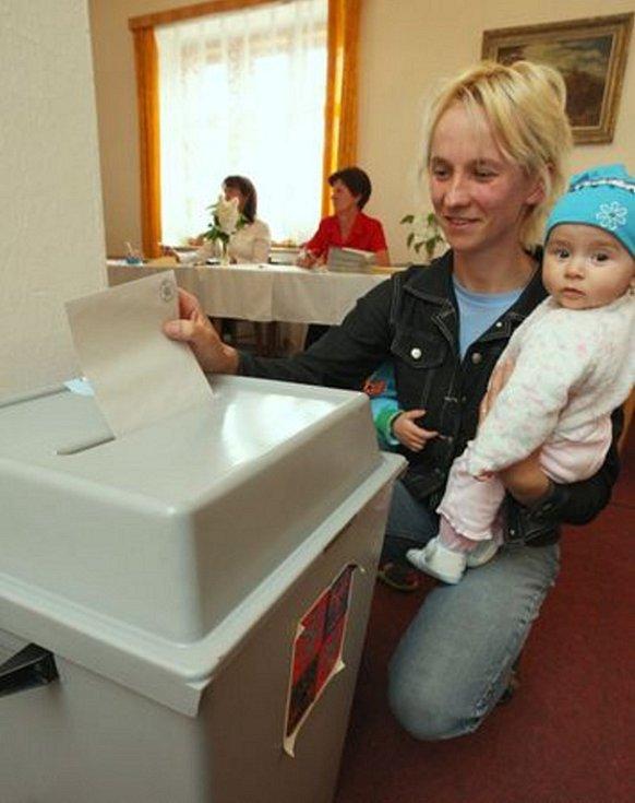 Lidé v Horních Habarticích rozhodovali v referendu o výstavě věže kostela