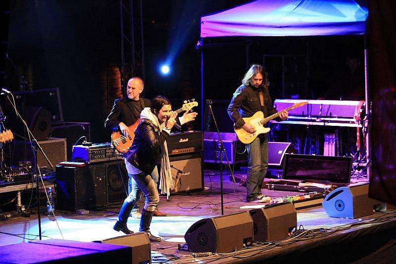 První víkendový den letošních slavností vyvrcholil hudebním festivalem.