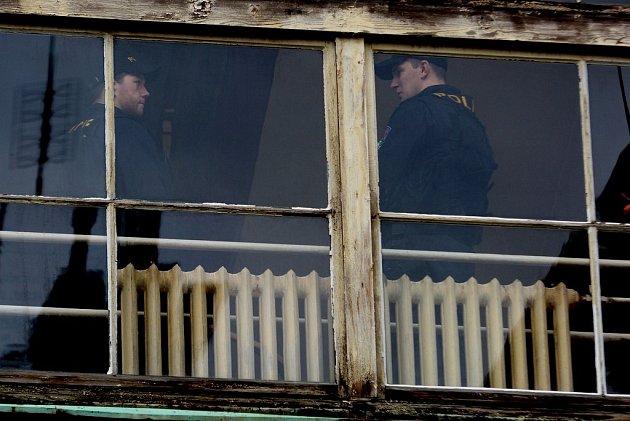 Policie si odvezla dokumentaci zLužické nemocnice.